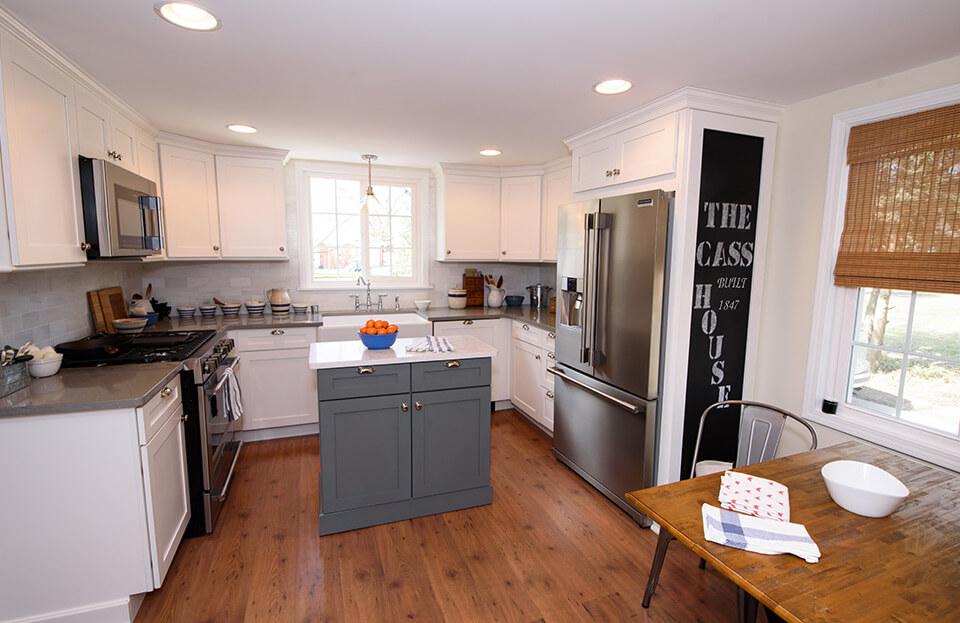 picking kitchen cabinets